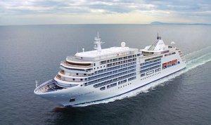 Круизный лайнер Silver Spirit вошел в порт Одессы
